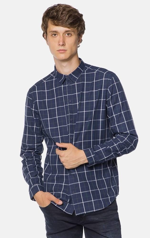 d34829dff0c Рубашка прямого кроя с длинными рукавами. Модель с отложным воротником.  Декориро..